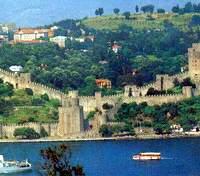 Греческая крепость, г.Стамбул. Построена в 1452г. Во времена Османской империи использовалась как тюрьма для политических и зарубежных заключённых.