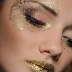Идеи новогоднего макияжа с блестками - фото новинки на 2018 год