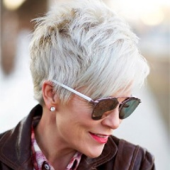 Омолаживающие стрижки для женщин 50 и 60 лет