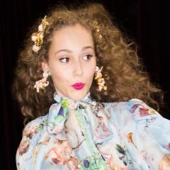 Вечерние прически от Dolce Gabbana с миланского показа моды 24 сентября 2017