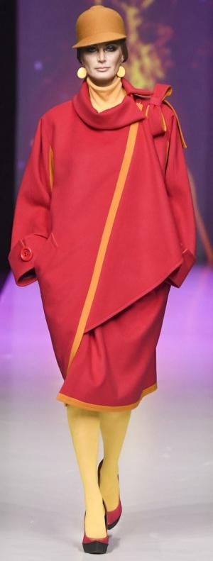 Верхняя модная демисезонная одежда для полных. Пальто от Славы Зайцева