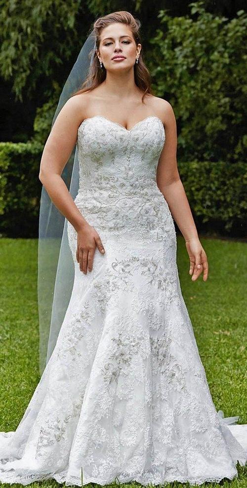 свадебное корсетное платье на полной модели