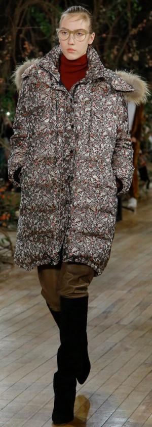 Модное пальто-пуховик с цветочным рисунком от Ulla Johnson