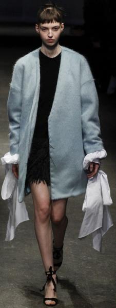 фасоны пальто без воротника для полных