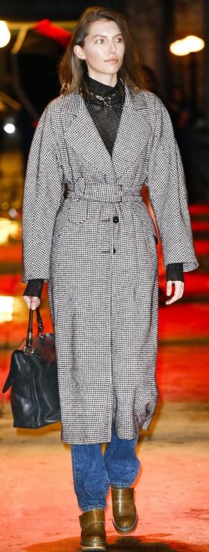 Модное женское пальто Осень-Зима 2017/2018 от Rachel Comey - модные тренды клетка, прямой крой, заниженная линия плеча, широкий пояс, большие лацканы, широкий рукав, длина миди