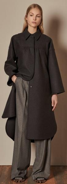 коричневое пальто прямого кроя на осень 2017