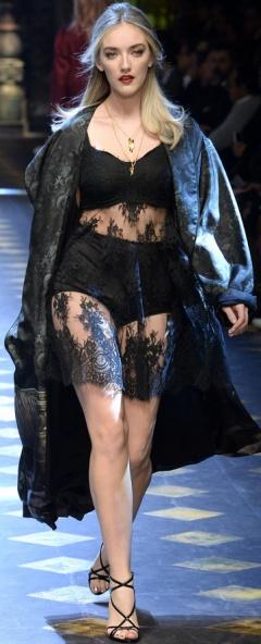 Летний плащ 2017 от Dolce & Gabbana