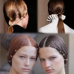 Фото лучших причесок от модного дома Валентино – креативные идеи для длинных волос с аксессуарами