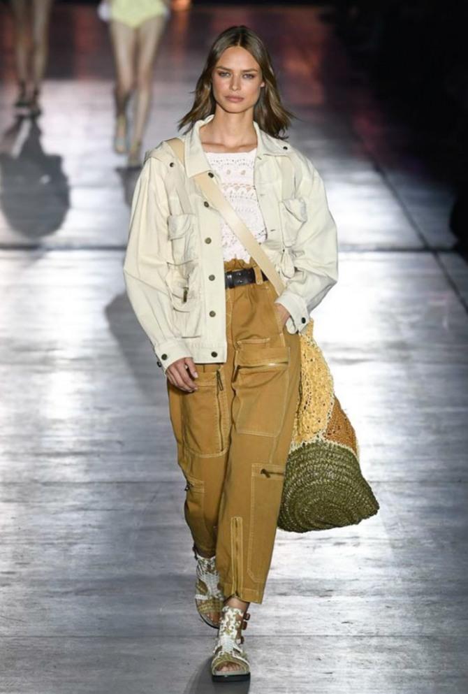 джинсовая куртка песочного цвета от Alberta Ferretti