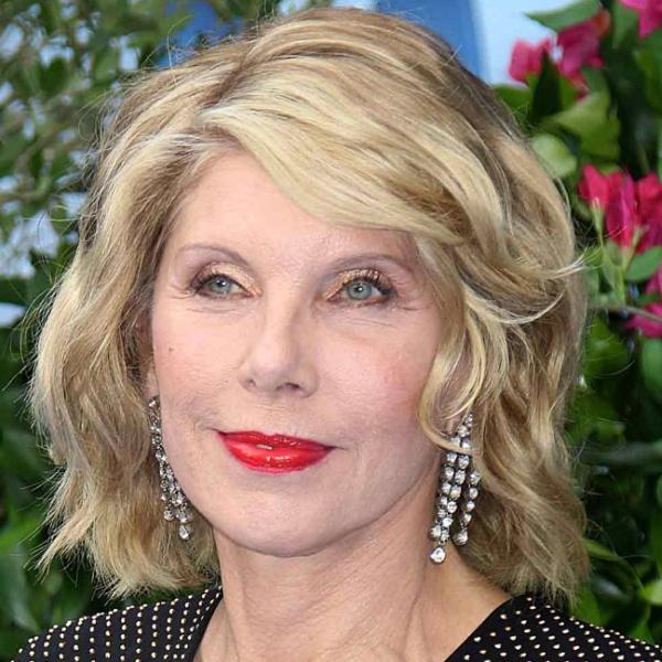 стильные образы с красивыми прическами для женщин за 55 лет