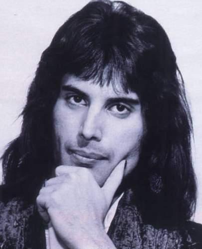 Ровно 20 лет, как с нами нет Фредди Меркьюри, вокалиста рок-группы Queen.