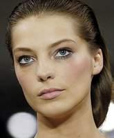 http://newwoman.ru/pic29/090306_makeup5_006.jpg