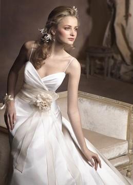 Лучшие свадебные платья: лето 2011