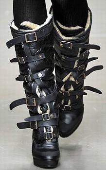 Модная обувь осень-зима 2010-2011 - Главные тенденции.  Burberry Prorsum.