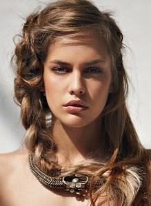 Женскиепрически для длинных волос