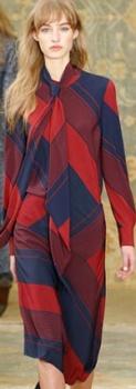 Kravat ile iş elbisesi