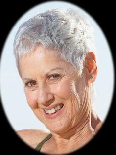 Прически и стрижки для пожилых женщин (фото) 76
