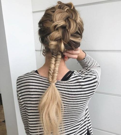 Фото причесок из цветных волос