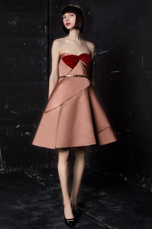 Платье корсетное с воланами фото