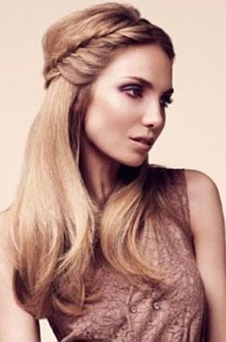 Прическа на средние волосы прямые
