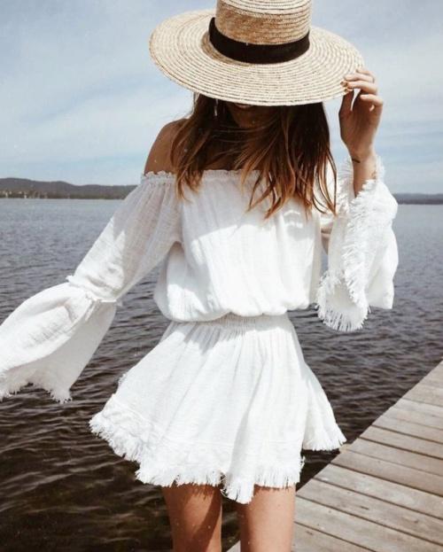 c0ea0a7e576 белое красивое платье с бахромой на резинкена лето со шляпой