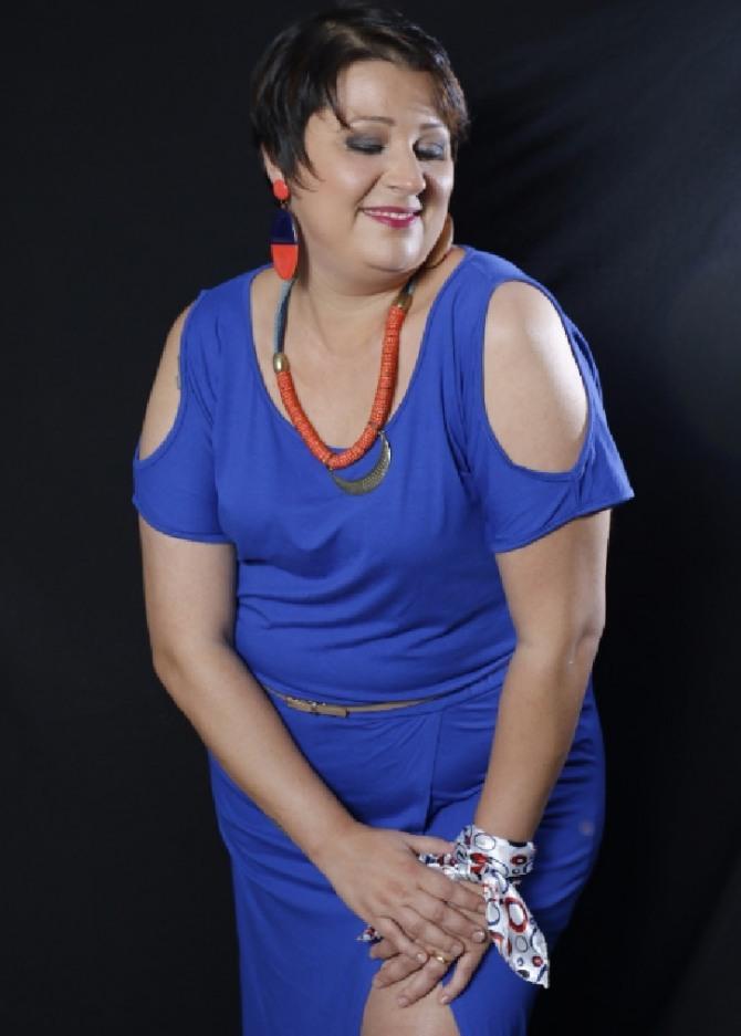 Фото платья с вырезами на плечах