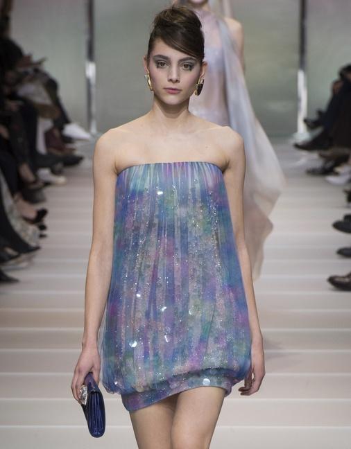 Блестящие нарядные платья 2018 - фото