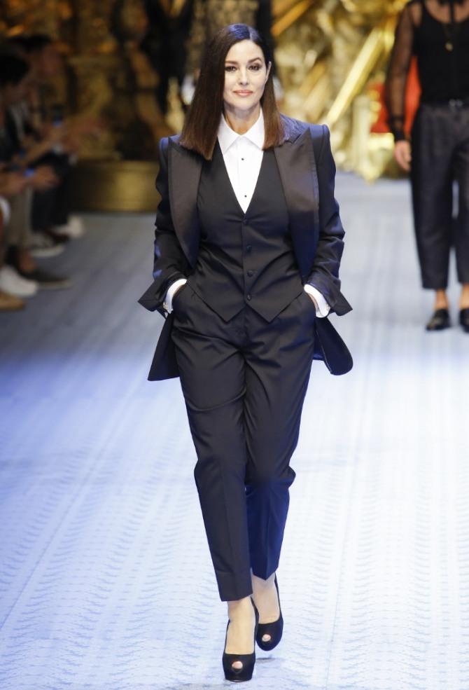 49544093162 Деловой женский брючный костюм-тройка с жилетом - мода на 2019 год от Dolce