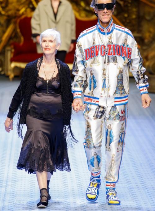 af3bbea972f2 Модные фасоны платьев для взрослых женщин за 50, 60, 70 лет - фото