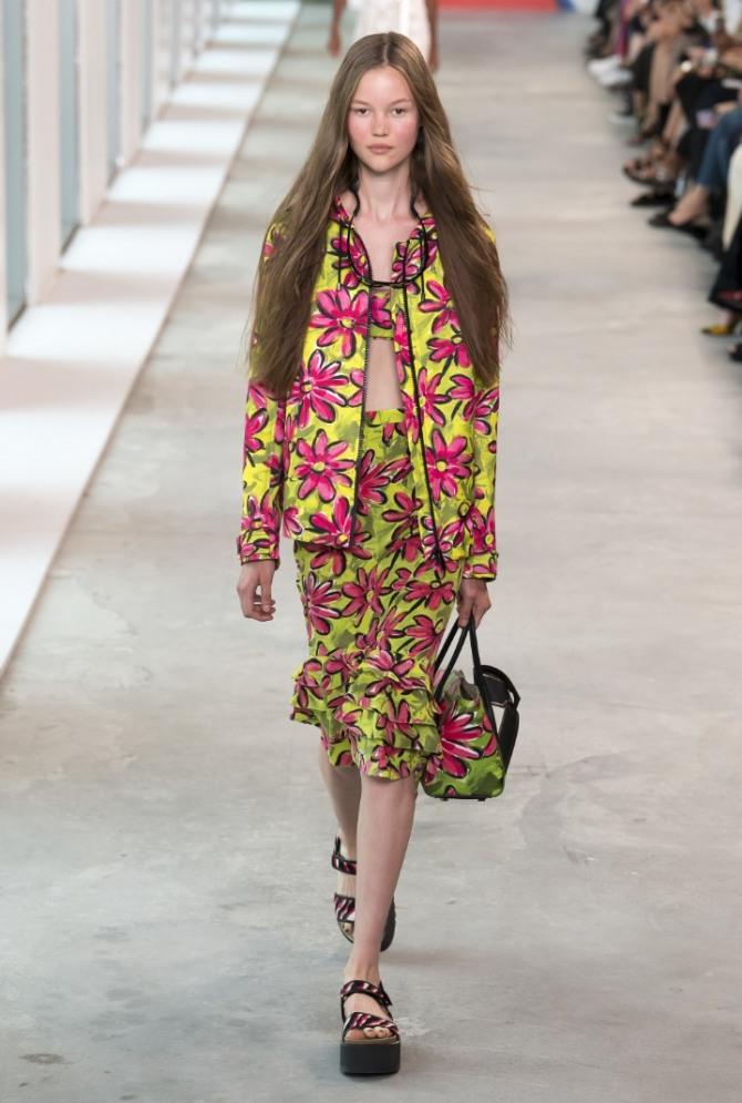 f1f6b47a26d летняя юбка с растительным принтом и воланами по подолу