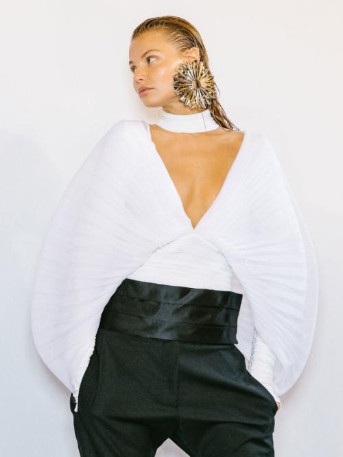 e9d46589036 Модные блузки 2019 - разбор трендов