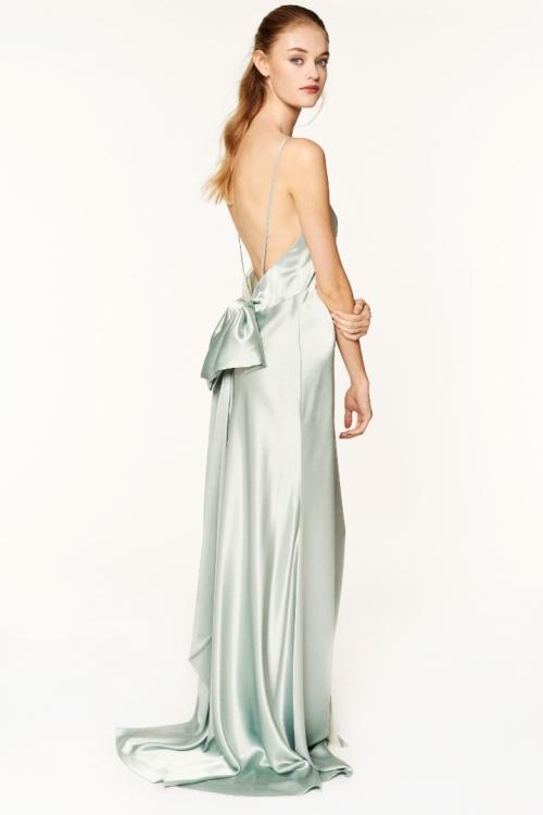 c7a58616c85 атласное вечернее платье в пол с обнаженной спиной