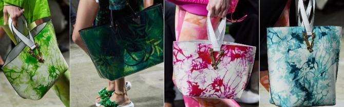 фото ярких модных летних сумок шоппер 2020 года большого размера без застежки с двумя короткими ручками от бренда Versace