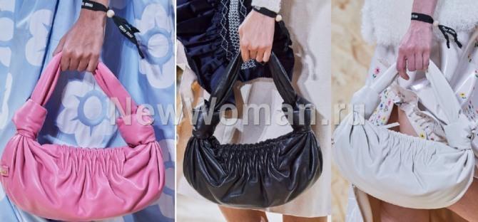 Мягкая кожаная сумка-хобо в форме полумесяца из кожи с широкими короткими ручками, с узлами и драпировкой