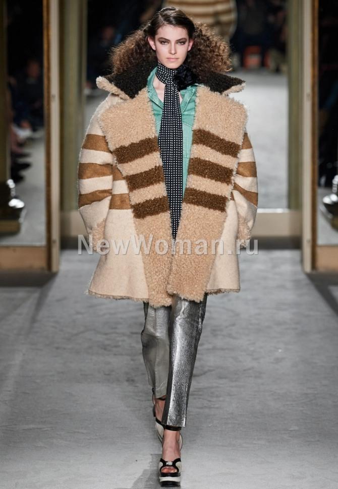 женские ттрендовые дубленки с миланской недели моды - модель оверсайз от бренда Philosophy di Lorenzo Serafini, женская мода 2021 года