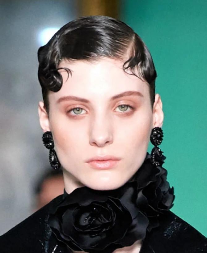 модные прически для брюнеток с короткими волосами на сезон осень-зима 2020-2021 - стрижка асимметрия