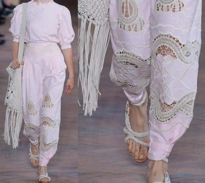 роскошные розовые брюки сезона лето 2021 с кружевными вставками