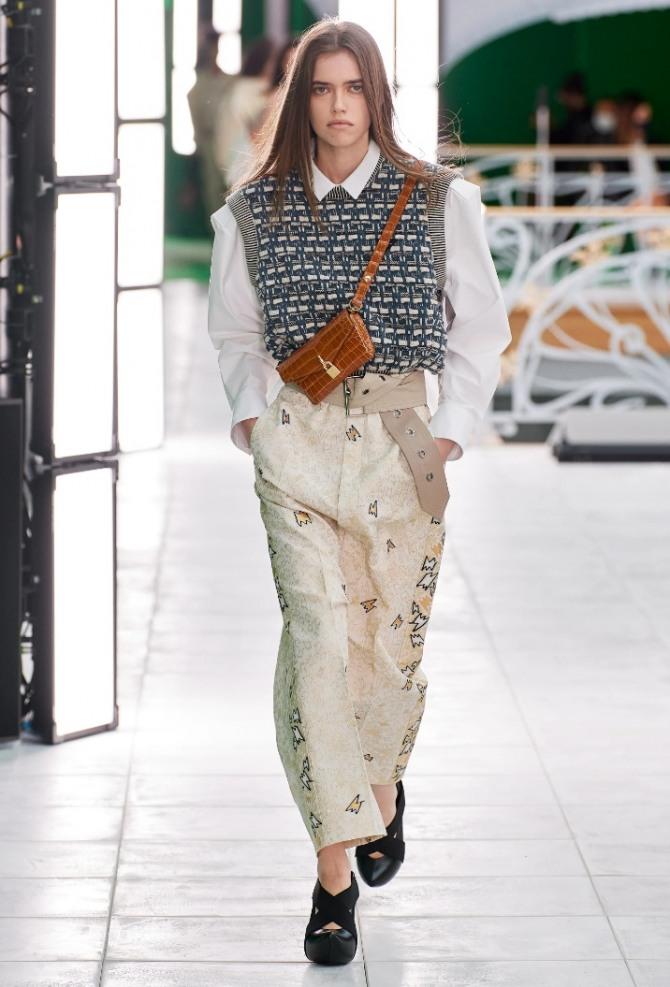 брюки с вязаным жилетом - модная женская дизайнерская одежда 2021 года